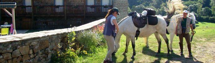 Gites pour randonnée équestre , accueil de cavaliers et chevaux