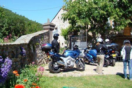 depart-moto-gites-Auvergne
