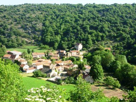 Bousselargues : vue du Hameau en arrivant de Blesle