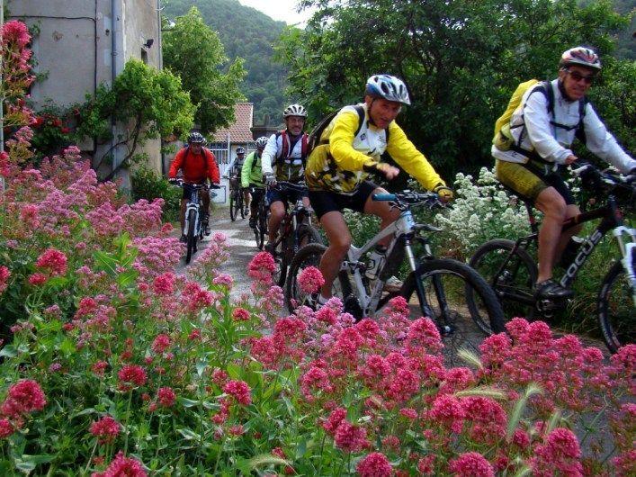 chambres d'hôtes pour vtt et cyclistes en Auvergne sur chemin de Saint Jacques de Compostelle - Via Arverna