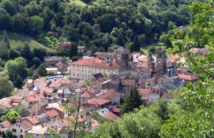 Blesle : un des plus beaux villages de France en Haute-Loire - Auvergne