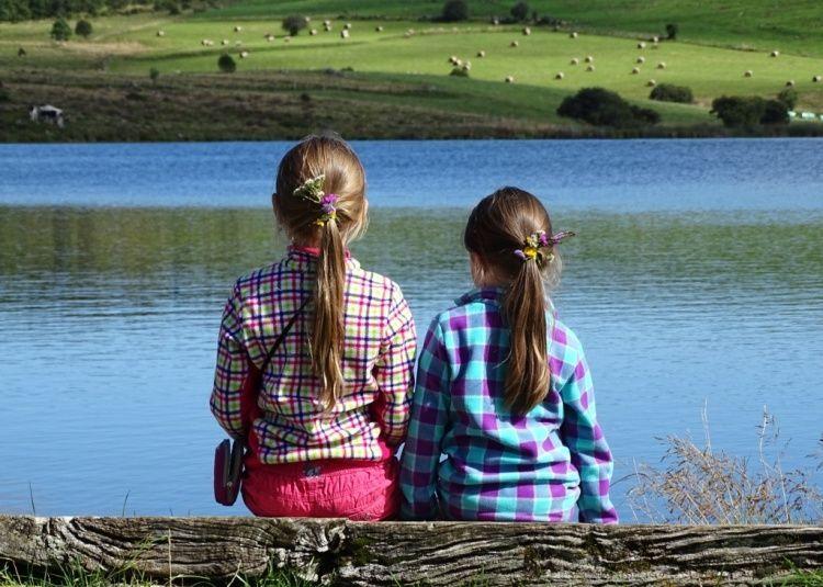 randonnée en famille autour du lac de Sauvages dans le Cantal en Auvergne