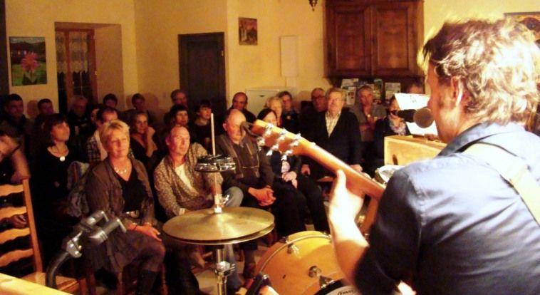 Hiver Pool en concert à l'Auberge de Margaridou