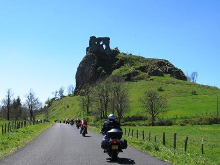 Balade en Auvergne en moto avec accompagnateur