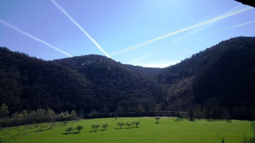 ciel d'Auvergne au printemps du balcon de votre chambre d'hôtes