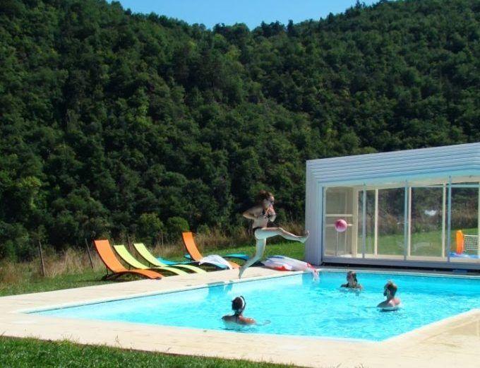 la piscine des chambres d'hôtes
